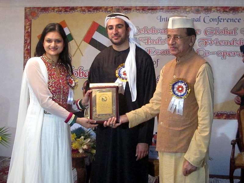 "Dr. Suruchi Garg receiving much coveted international ""Global Achievers Award 2014"" at Dubai, UAE"